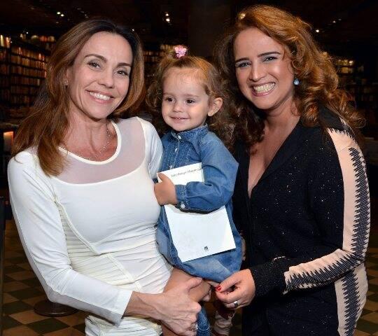 Flávia Monteiro com a linda Sophia e Arlete Heringer