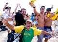 """""""RIO 2016"""" — O ORGULHO DE SER BRASILEIRO ESTAMPADO NO AMBULANTE DA PRAIA /Foto: Rogerio Ehrlich"""