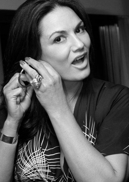 """""""ANIVERSÁRIO DJ ZÉ PEDRO"""" — LUIZA BRUNET /Foto: Vera Donato"""