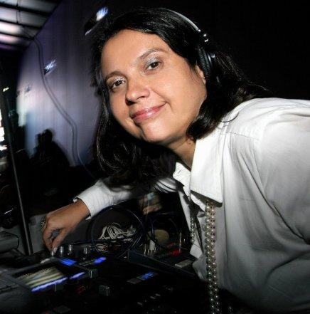 """""""FASHION FREQUÊNCIA"""" —A DJ MARY DI /Foto: Vera Donato"""