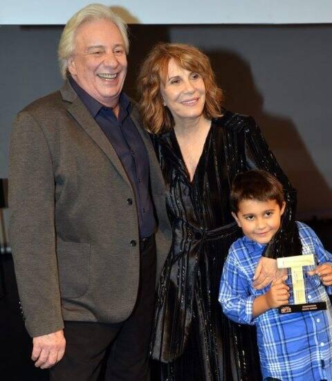 Marco Nani com Renata Sorrah e o neto Miguel