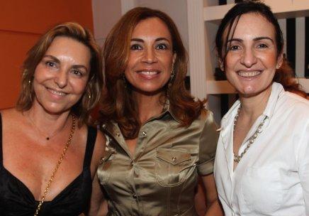 """""""LANÇAMENTO NA LUCCI"""" — MARTA MICHELLI, MARILENA BUENO E ANNA CLARA HERMANN /Foto: Antonio Kämpffe"""