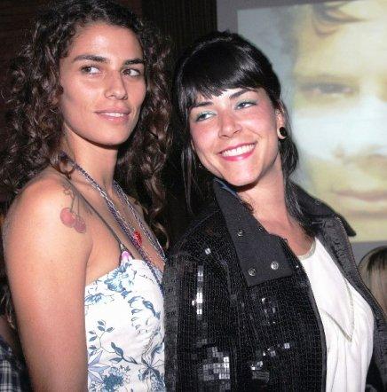 """""""BRITISH COLONY"""" — MILENA GALE E FERNANDA GUIMARÃES /Foto: Vera Donato"""