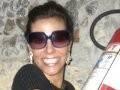 """""""ANIVERSÁRIO JOÃO EDUARDO"""" — NARCISA TAMBORINDEGUY AGARRADA AO EXTINTOR QUE FOI USADO LOGO DEPOIS POR UM DESCAMISADO /Foto: Lucianna Pittigliani"""