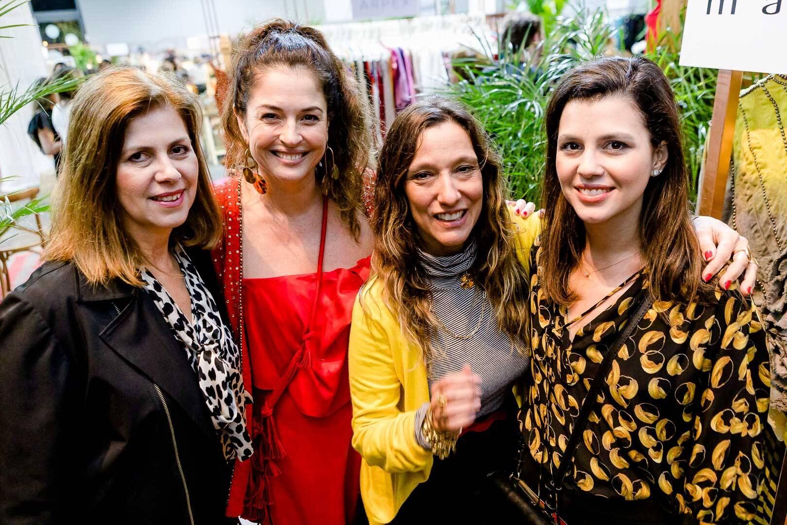 Nana Paranaguá, Marta Macedo, Isabela Capeto e Yasmine Orleans e Bragança  /Foto: Bruno Ryfer