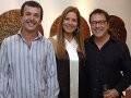 """""""WAY DESIGN"""" — ELIANA PAZZINI ENTRE OS EXPOSITORES CARLOS FRANÇA E GUILHERME SECCHIN /Foto: Ricardo Gama"""