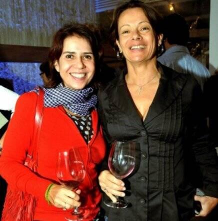 """""""ENOTECA FASANO"""" — MARINA HIRSCH E JUSSARA NOVA RARIS /Foto: Cristina Granato"""