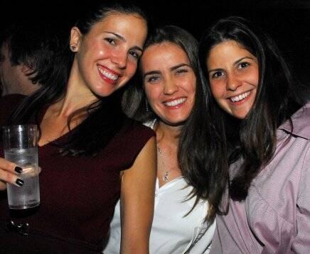 """""""DISCO"""" — GABRIELA LUNARDELLI, PAULA KLOTZ E MARINA TEIXEIRA"""