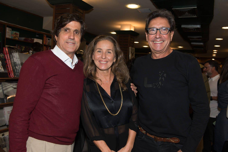 Marcus Gasparian com o casal Thereza Formiga e Zé Luiz Silva / Foto: Cristina Lacerda