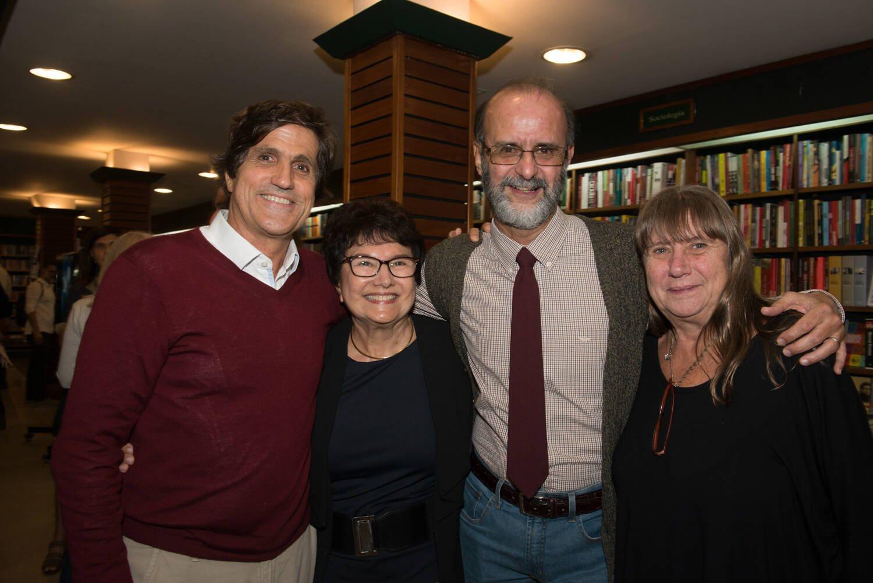 Os irmãos Marcus e Laura Gasparian com Francisco Azevedo e Edvane Cabral / Foto: Cristina Lacerda