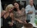 """MIXOLOGY"" — SUZANA GALDEANO, KIKA GAMA LOBO E LUCIANO PESSINA, DA OSTERIA DELL'ANGOLO, AO FUNDO/Foto: Sergio Pagano"