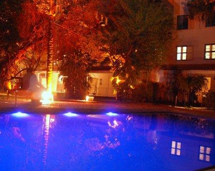 """HOTEL SANTA TERESA"" — A PISCINA /Foto: Ana Colla"