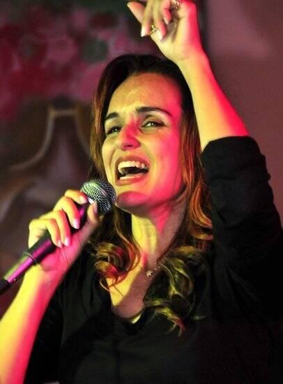 """""""CARTOLA"""" —VANESSA FALABELLA/ Foto: Cristina Granato"""