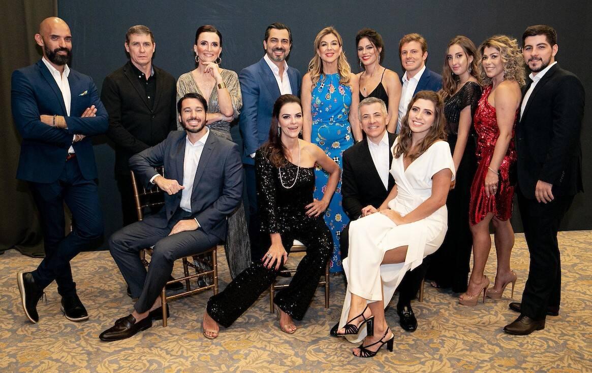 """A foto oficial dos """"Cantores do Bem"""" /Foto: Miguel Sá"""