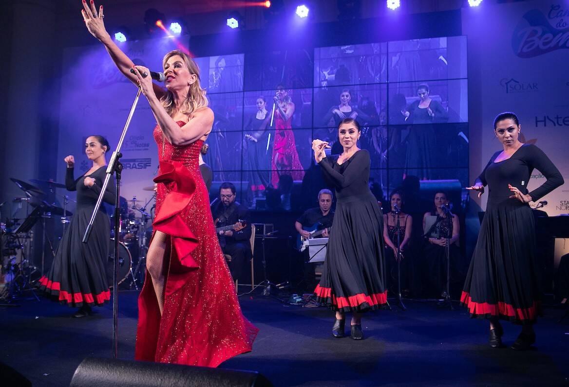 Bete Floris com as bailarinas num clima flamenco /Foto: Miguel Sá
