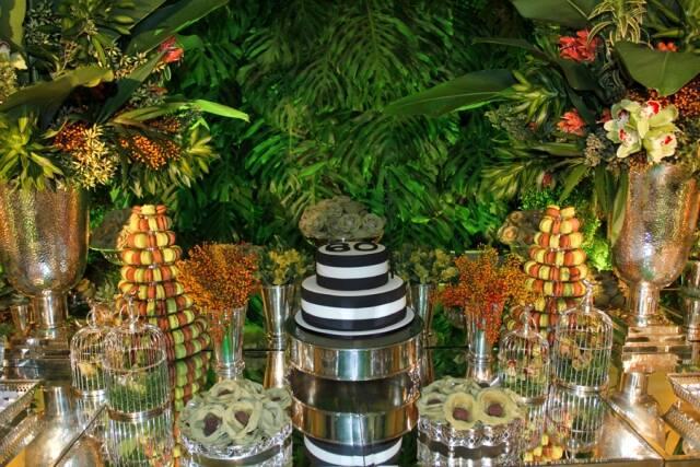 A mesa principal da festa