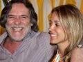 """""""NOVO FRADE"""" —JOSÉ DE ABREU E SUA MULHER, CAMILA PAOLA MOSQUELLA/Foto: Divulgação"""