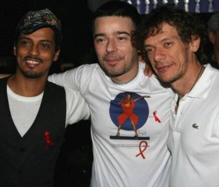 """""""MODA CONTRA O HIV"""" —FABINHO SANTANA, CARLOS TUFVESSON E ANDRÉ PIVA/Foto: Júlio Pereira"""