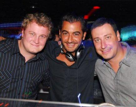 """POSH AT DISCO"" — DJS PIC SCHMITZ, MICHEL SAAD E EDO KRAUSE"