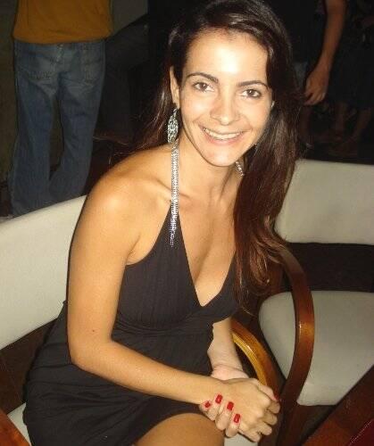 """""""O QUE ELAS DIZEM SOBRE BOTOX"""" —""""O Botox é milagroso, só tem que saber a dose certa""""— Isabela Menezes (promotora de eventos)."""