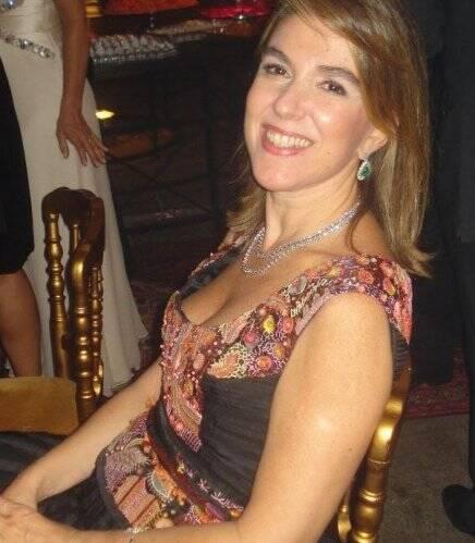 """""""CHRISTIANA E EDUARDO"""" — BETE FLORIS: PRESENÇA EVENTUAL NAS FESTAS"""