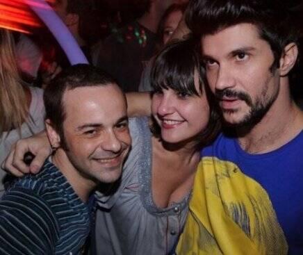 """""""I LOVE POP"""" — FABIANO MOREIRA, RENATA PINHEIRO E JOSE CAMARANO /Foto: Kenny Hsu"""