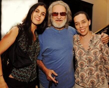 """CINCO VEZES FAVELA"" — RUY GUERRA ENTRE JANAÍNA DINIZ E ISABEL DIEGUES /Foto: Cristina Granato"