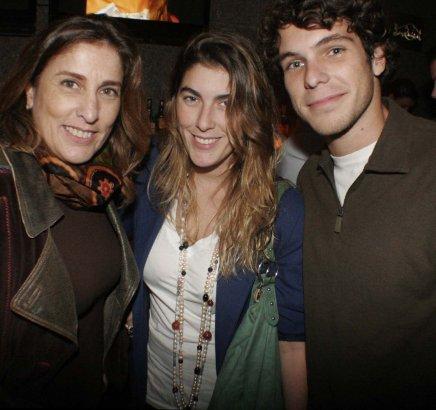 """BOOX"" — ANNA LUIZA AVELLAR, MARIANA AVELLAR E GABRIEL TOSTES"
