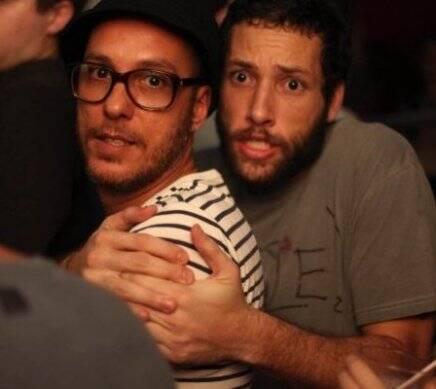 """""""I LOVE POP"""" — ROGERIO S. LEVANDO UMA PRENSA DE GABRIEL OLIVIERI /Foto: Eduardo Llerena"""