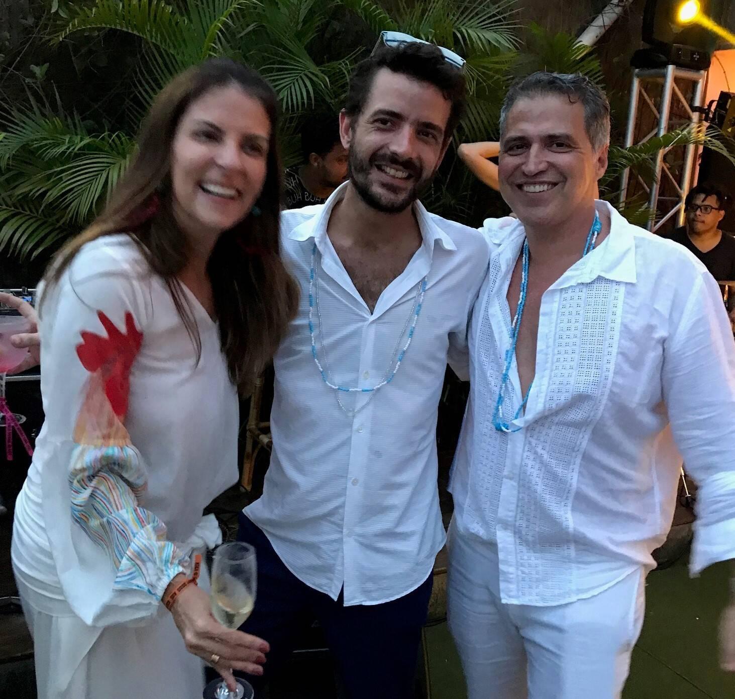 Laura Paes com o casal Wander Gomes e Rodrigo Barroso