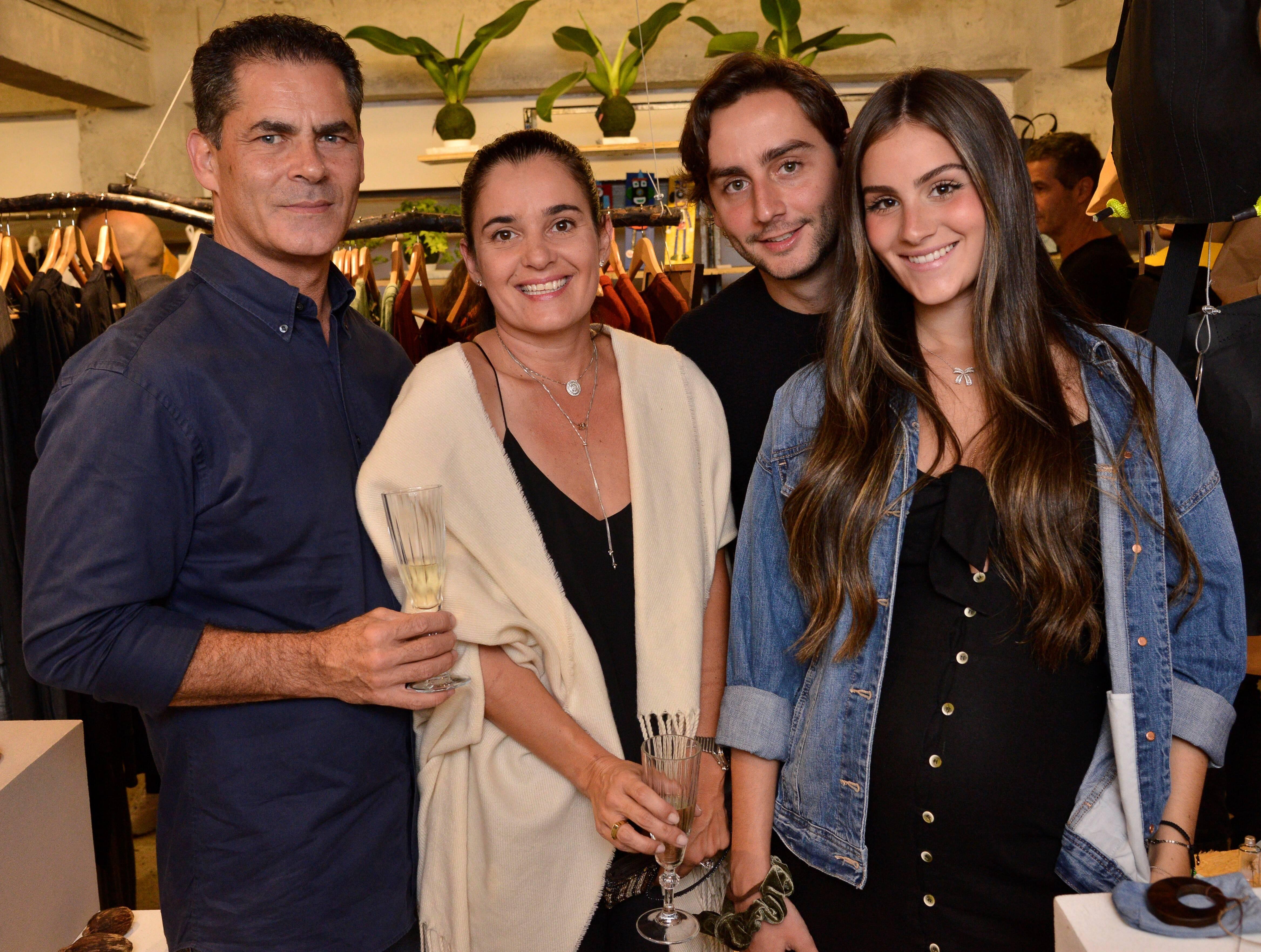 Luis Figueiredo, Ana Luiza Figueiredo, Davi e Larissa Cerqueira  /Foto: João Sal
