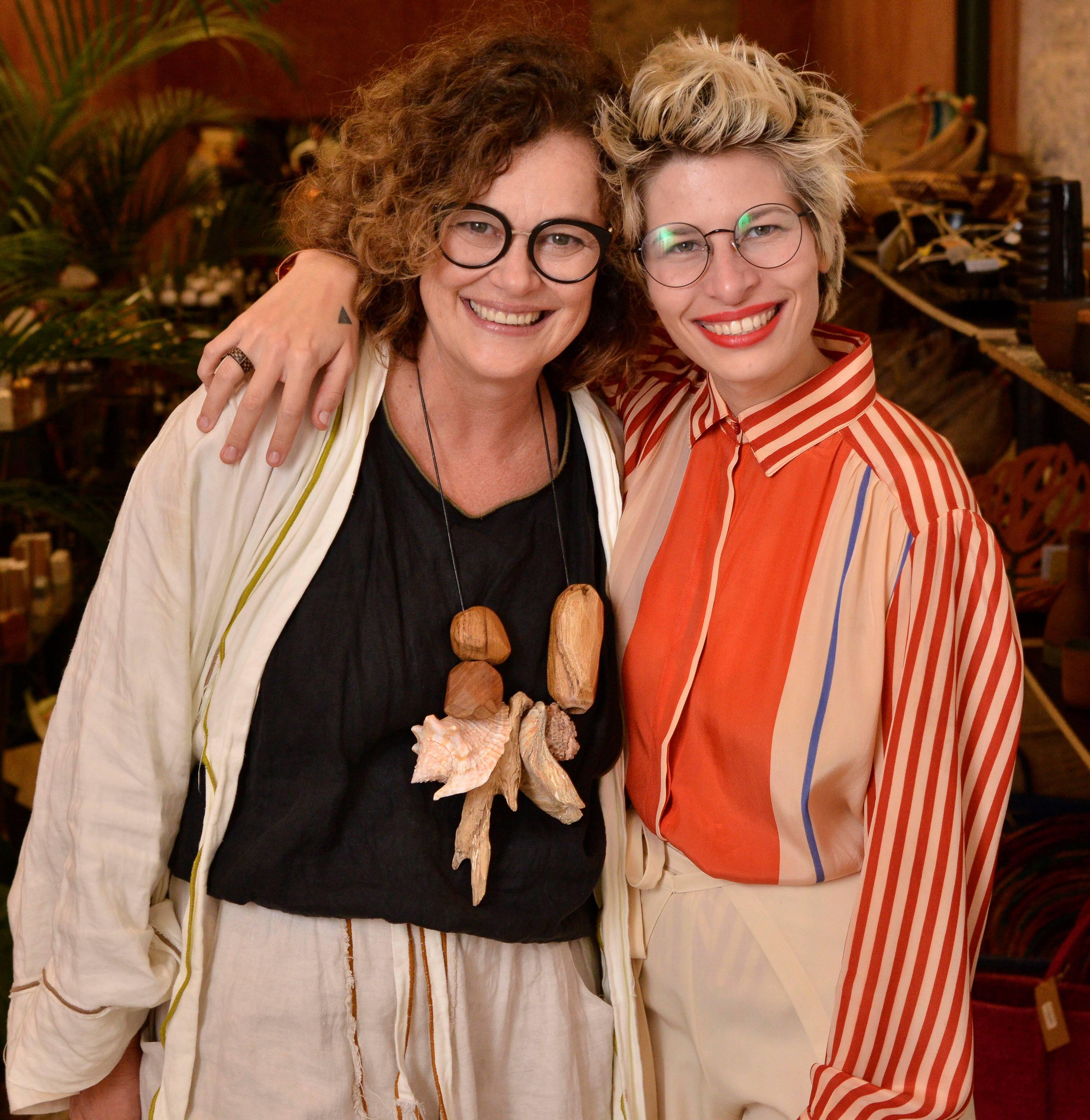 O casal Betty Prado e Thamy Sol  /Foto: João Sal