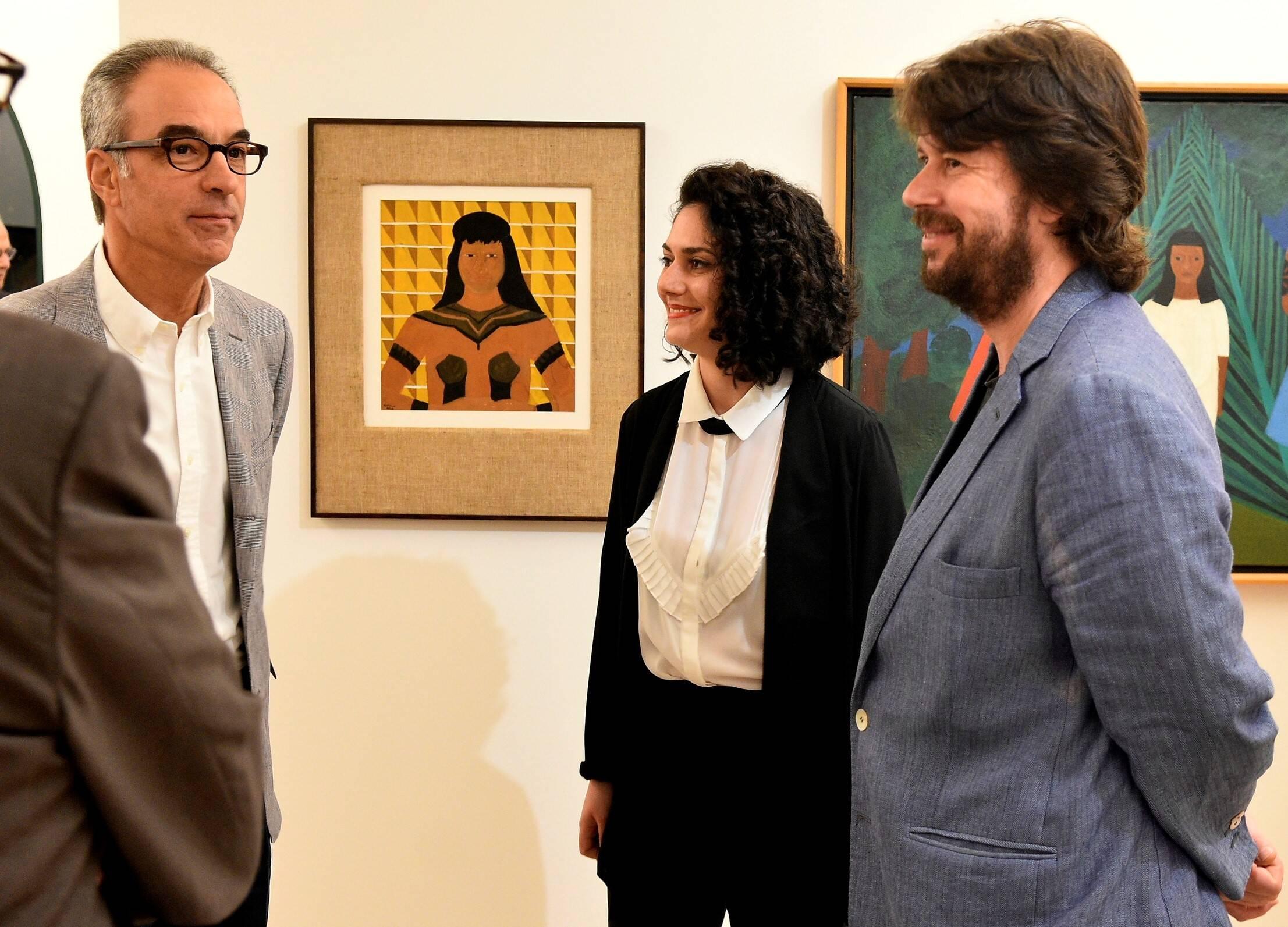 João Roberto Marinho com os curadores Isabella Rjeille e Rodrigo Moura /Foto: Roberto Teixeira