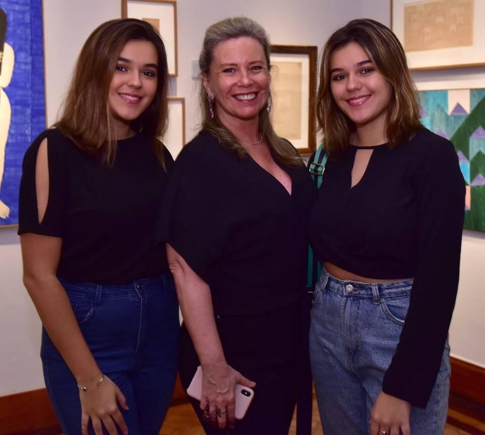 Bia Perlingeiro e suas netas, Luísa e Júlia  /Foto: Paulo Jabur