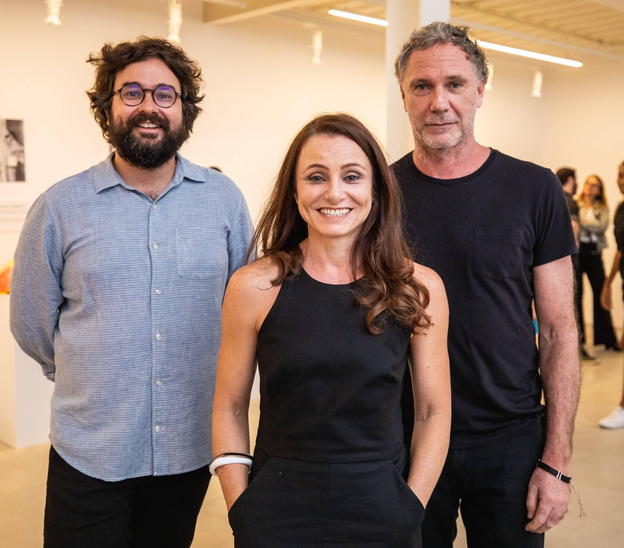 Felipe Scovino, Carolyna Aguiar e Oskar Metsavaht  /Foto: Luke Garcia