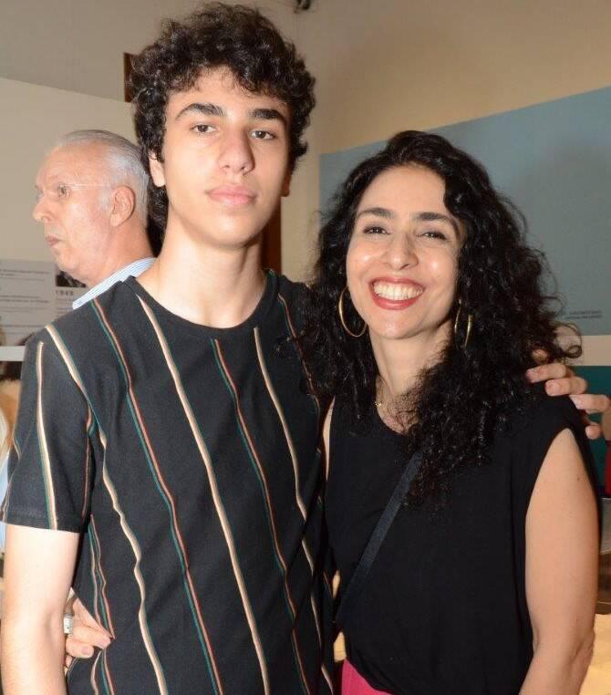 Mano Wladimir Monte Bernardes com a mãe,  Marisa Monte (Mano é neto de Sergio) /Foto: Marco Rodrigues