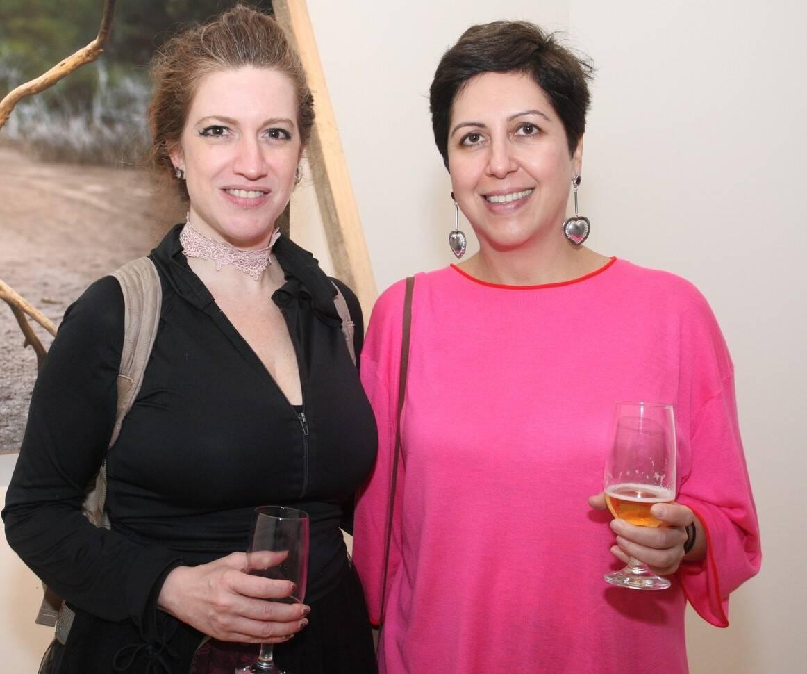 As artistas plásticas  Viviane Teixeira e Angela Od  /Foto: Vera Donato