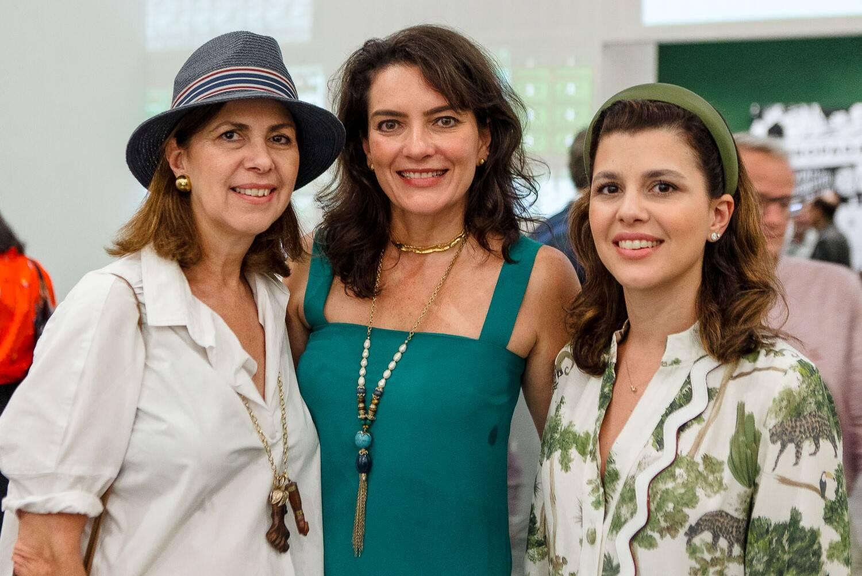 Naná Paranaguá, Melissa Januzzi e Yasmine Paranaguá de Orleans e Bragança  /Foto: Bruno Ryfer