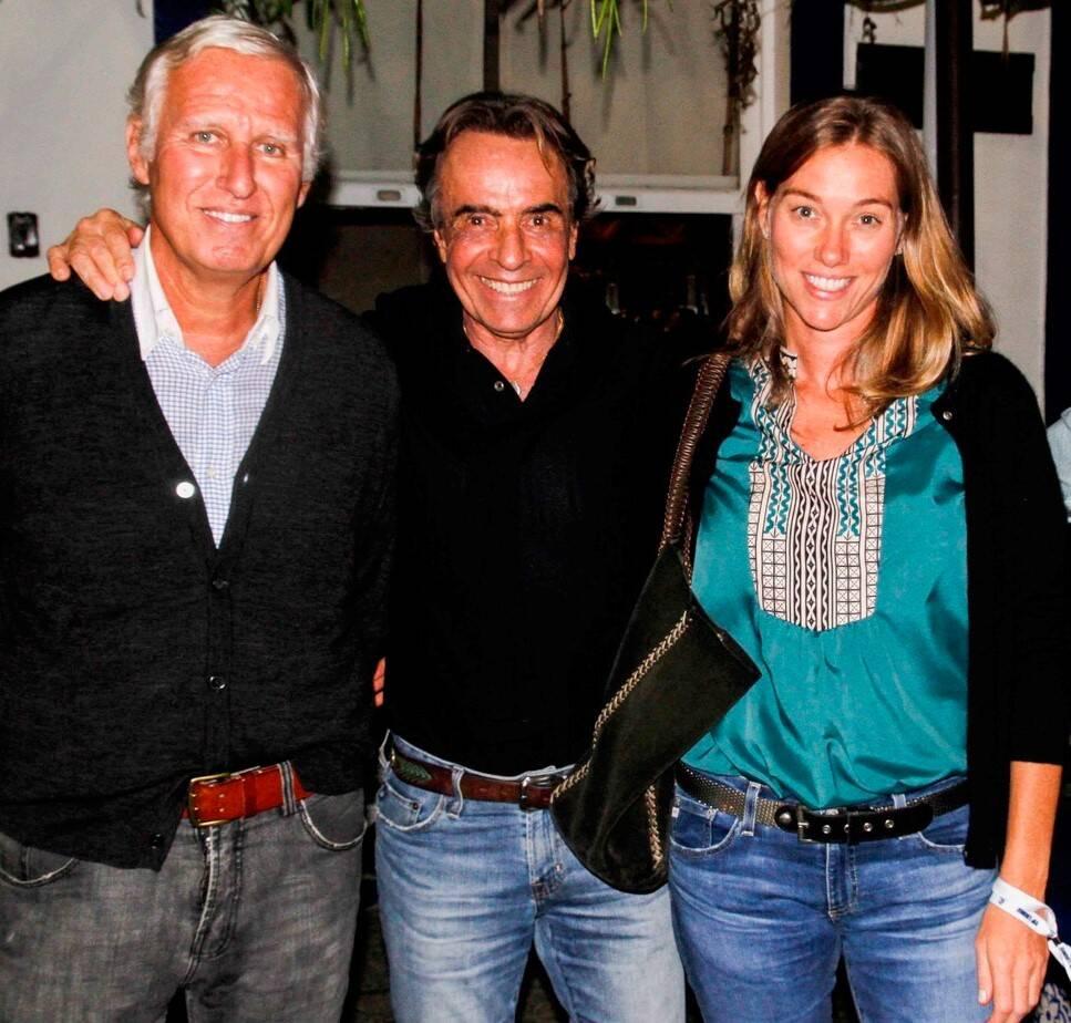 Rapahel Fragoso Pires e o casal  Romeu Ferreira Leite e  Bianca Heagler /Foto: Emerson Emerim