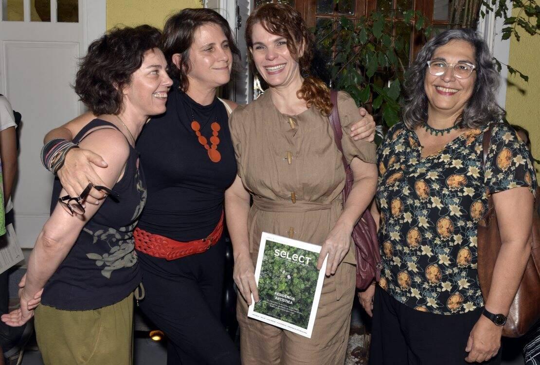 Gabriela Greeb, Paula Alzugaray, Laura Lima e Livia Flores  /Foto:  Cristina Granato