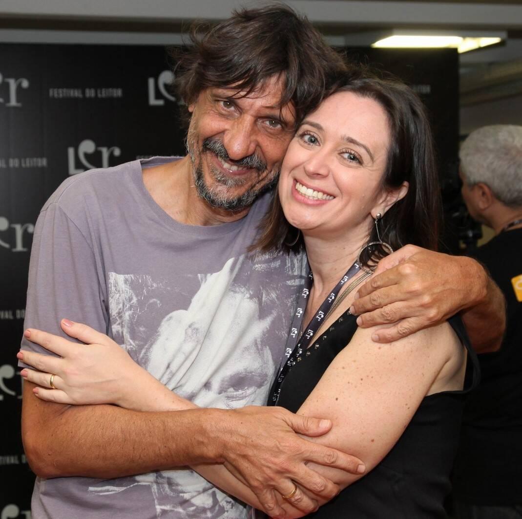 O jornalista e escritor Eduardo Bueno com a escritora Bruna Reis /Foto: Vera Donato