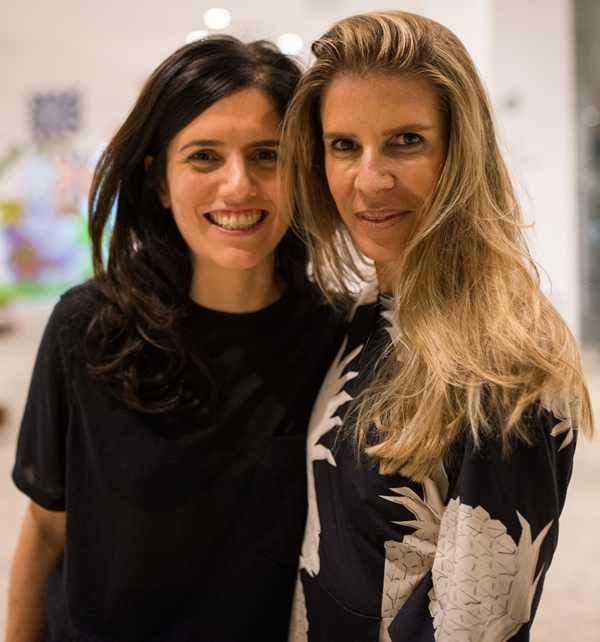 Luísa Duarte com uma amiga
