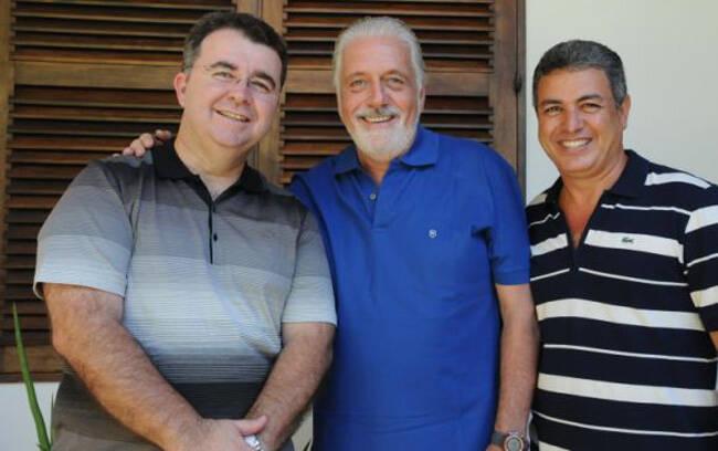 Alex Silva (Dir. Reg. Bradesco), Jaques Wagner, Governador do Estado e Jorge Nasser (dir. Mkt. Bradesco)