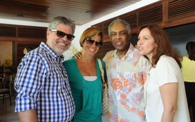 Antonio Carlos Valente, Henysa Valente Gil e Flora Gil
