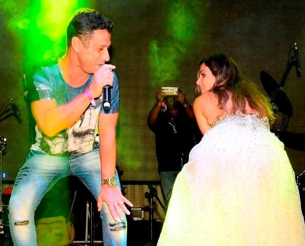 Mc Leozinho e Carol Sampaio