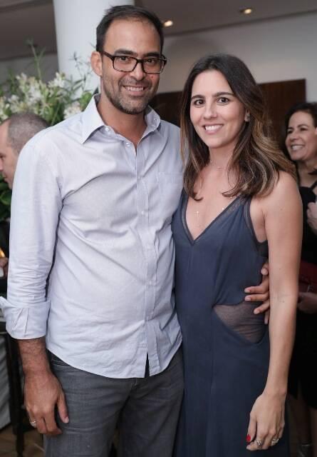 Tuneka e Camila Ferreira Leite