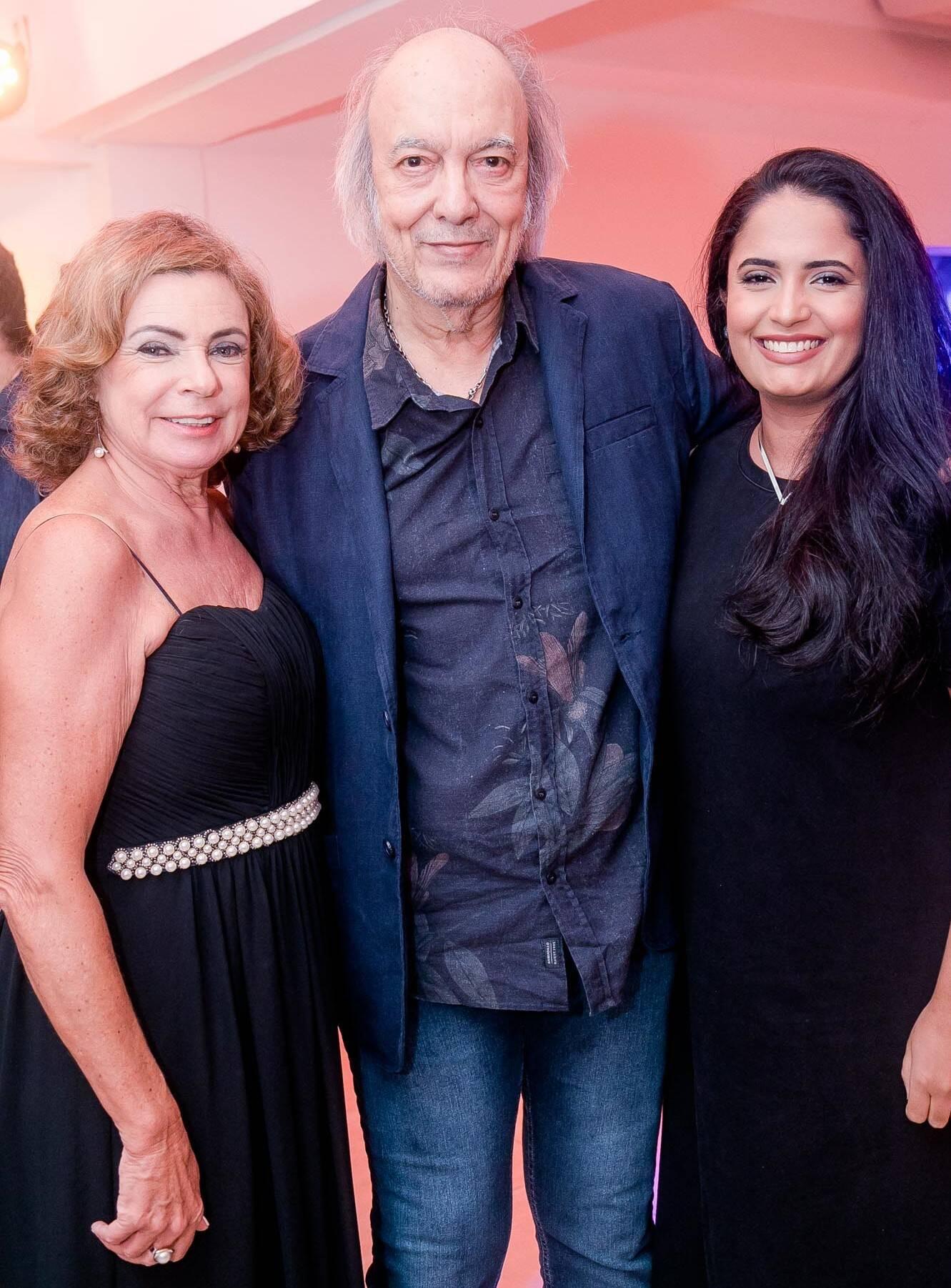 Rosamaria Araújo, Erasmo Carlos e Fernanda Esteves  /Foto: Miguel Sá