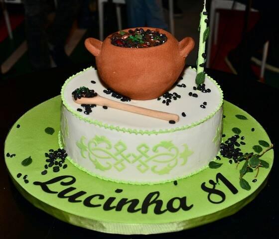 Bolo do aniversário de Lucinha Araújo
