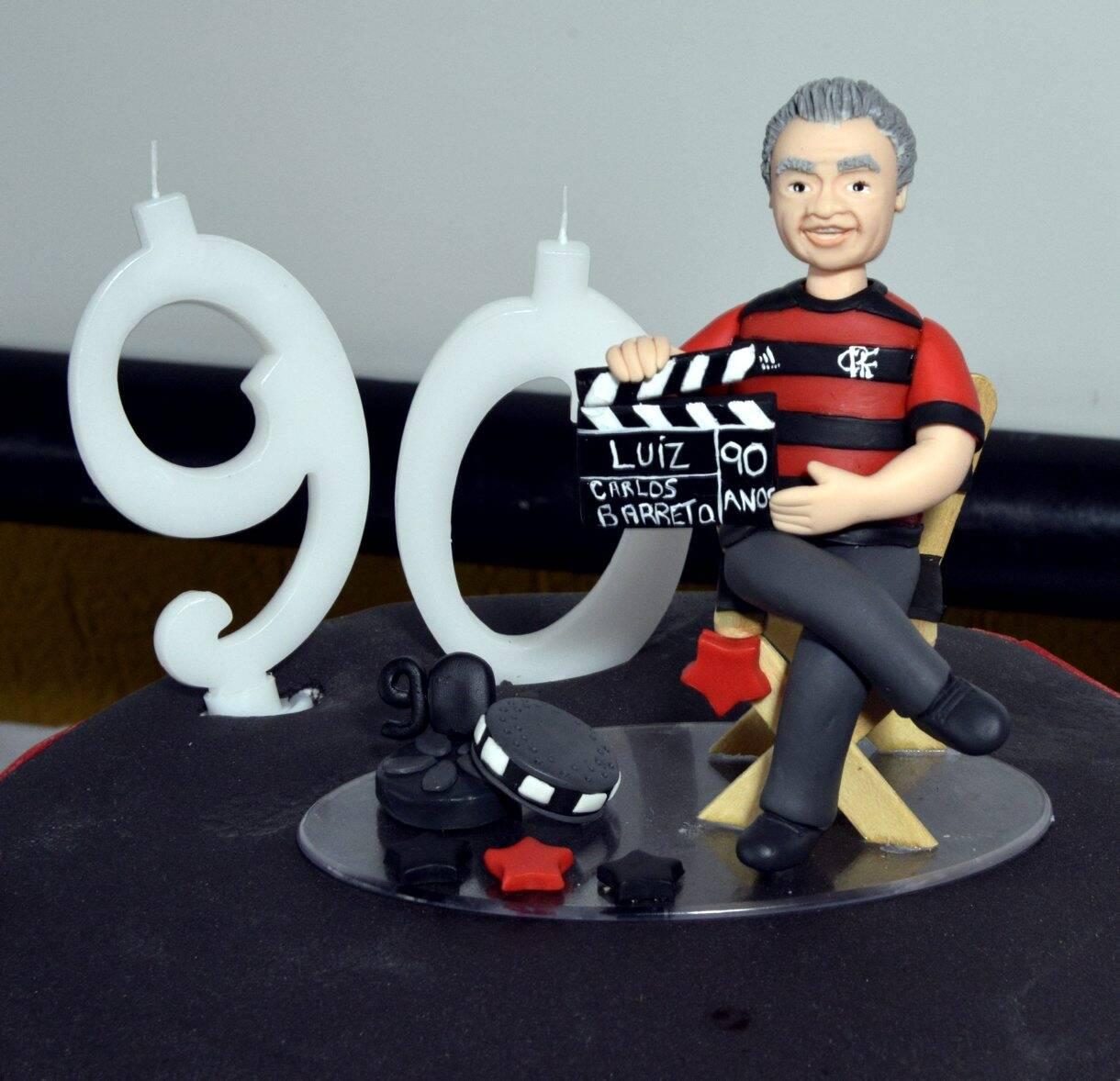 O bolo em homenagem ao Flamengo, time do aniversariante