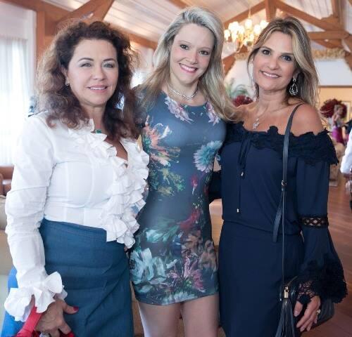 Marta Isaksen, Roberta Monteiro Fonseca e Adriana Indelli